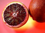 aufgeschnittene Blutorange / sliced red blood orange