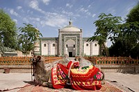 Abakh Hoja Tomb with a camel in the foreground, Kashgar, Xinjiang Uyghur autonomy district, Silkroad, China