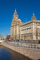 Liver and Cunard Buildings and Leeds Liverpool Canal, Waterfront, Liverpool, Merseyside, England