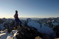 Alpinist in front of Alpine panorama, Gramais, Lechtal, Reutte, Tirol, Austria, Europe