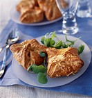 Puff_pastry cheese pies