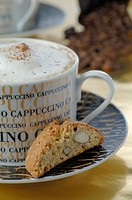 Cappuccino and almond cookie