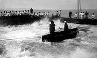 pesca del tonno con rete di cocco in sicilia, italia 1952