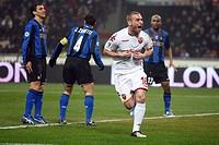 daniele de rossi celebrating, milano 2009, serie a football championship 2008/2009, inter_roma