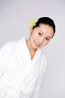 Woman wearing a bathrobe (thumbnail)