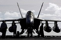 F/A_18E Super Hornet on the flight deck