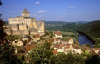 Chateau overlooking the town of Castelnaud on the Dordogne River