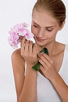 Young woman with hydrangea (thumbnail)