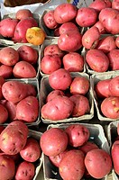 Red potatoes Produce display at farmer´s flea market florida
