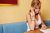 phoning, teenager, beauty, girl, restaurant, teen