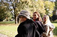 Women, walking, beauty, autumn, park, smiling, you (thumbnail)