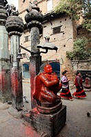 Nepal, Kathmandu Valley, Bhaktapur, hindu shrine, Garuda statue