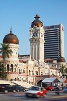 Traffic passing Sultan Abdul Samad Building, Merdeka Square, Kuala Lumpur, Malaysia, Southeast Asia, Asia