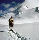 SG hist., Sport, Bergsteigen, Bergwanderer beim Aufstieg, Zuckerhütl vom Pfaffenjoch, Stubai, Tirol, Österreich, wandern bergsteiger bergwandern rucks...