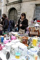 Woman secondhand trade