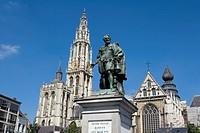 Belgium _ Flanders _ Antwerp _ Statue de Pierre Paul Rubens et la cathŽdrale Notre_Dame_d´Anvers Onze_Lieve_Vrouwekathedraal
