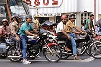 traffico cittadino, jakarta, giava, indonesia