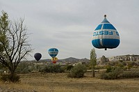 Photograph of balloons in Kapadokya Turkey