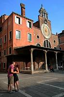 Couple in San Giacomo di Rialto, Venice