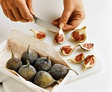 Quartering and peeling figs