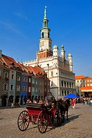 Poland, Wielkopolska region, Poznan, the place of the old market, Stary Rynek and the renaissance town hall built between 1550 and 1560
