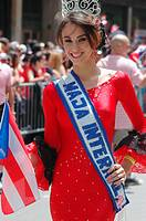 New York City (USA): beauty queen along the 5th Avenue during the Puerto Rican parade