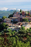France, Vaucluse, Luberon Regional Natural Park, Roussillon, labelled Les Plus Beaux Villages de France The Most Beautiful Villages of France, in the ...