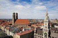The Frauenkirche church and Rathaus bell tower, Munich, Germany (thumbnail)