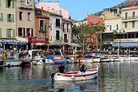 F, France,  Provence, Cassis, Port, Old harbour
