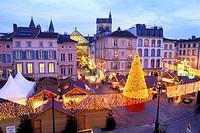 France, Vosges, Epinal, Place des Vosges, Christmas market