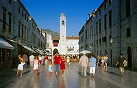 Pedestrians at the Stradun in the Old Town of Dubrovnik, Croatian Adriatic Sea, Dalmatia, Croatia, Europe