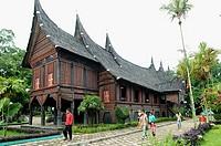 Rumah Minangkabau replica, benteng de Kock, Bukittingi, Sumatra, Indonesia