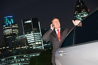 Businessman talking on a cellular telephone