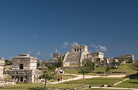 Templo de las Pinturas Temple of Pictures on left with El Castillo the Castle on right at the Mayan ruins of Tulum, Quintana Roo, Mexico, North Americ...