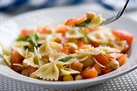 Pasta Salad with Farfalle Pasta, Tomatoes and Chickpeas