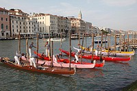 Italy, Venice, Grand Canal, racing gondolas, people