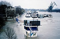 Flooding in the Ruhr estuary, at the 1122 level of 29.1.1995, Duisburg_Ruhrort, Ruhr Area, North Rhine_Westphalia, Germany, Europe