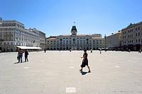 Piazza dell'Unita d'Italia square with Palazzo Pitteri palace, Municipio and Palazzo Stratti palace, Trieste, Friuli, Italy, Europe