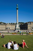 People on the Schlossplatz, castle square, adolescents, Jubilee Column, New Castle, Stuttgart, Baden-Wuerttemberg, Germany