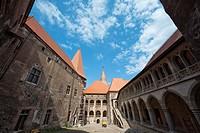 Corvin´s Castle Corvinesti or Hunedorestilor courtyard in Romania  Europe, Eastern Europe, romania, hunedoara, September 2009