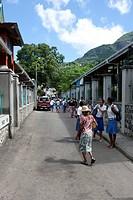 Lively street scene on Albert Street, Sir Selwyn Clarke Market, Victoria, Mahe Island, Seychelles, Indian Ocean, Africa