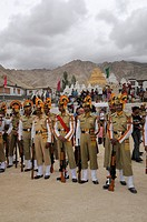 Indian soldiers wearing turbans, Leh, Ladakh, North India, Himalayas, Asia