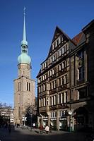 Reinoldikirche Church and business house on the market, Dortmund, North Rhine-Westphalia, Germany, Europe