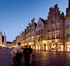 Prinzipalmarkt with a group of people, Muenster, Muensterland, North Rhine-Westphalia, Germany, Europe