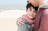 Young couple at the beach (thumbnail)