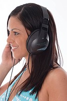 dark_haired, young woman with headphone.
