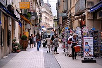 People in a street, shops, Old Town of Montpellier, Hérault, Languedoc Roussillon, France, Europe