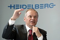 Bernhard Schreier, chairman of the Heidelberger Druckmaschinen AG in front of the company logo during the press conference on financial statements in ...