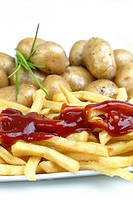 potato Solanum tuberosum, potatoes, potato chips and tomato sauce