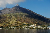 Eruption, Stromboli Volcano, Stromboli Island, Aeolian or Lipari Islands, Tyrrhenian Sea, Sicily, South Italy, Italy, Europe